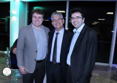 Dr. Eduardo Camelo de Castro, Dr. Mauricio Machado e Dr. Reisson Serafim